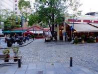 Улица с ресторанами