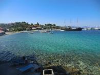 Чистая вода пляжей Греции