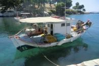 Вода и лодка