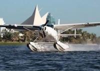 Полетать на гидроплане можно над Шарджей и Дубаем
