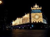 Продавцы французских магазинов работают без выходных для обслуживания туристов