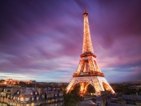 Эйфелева башня начала свою работу