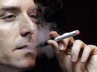 Железнодорожные компании Британии запрещают курить электронные сигареты