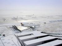 Работу московских аэропортов усложнил ледяной дождь