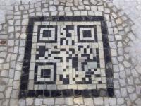 Мозаичный QR-код появился в Праге