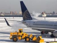 В США из-за снега отменены тысячи авиарейсов