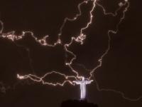 Главный символ Бразилии был поврежден молнией