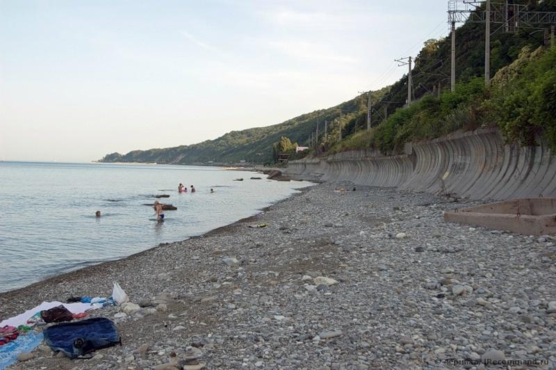 фото девок на дикий пляж в лазаревском